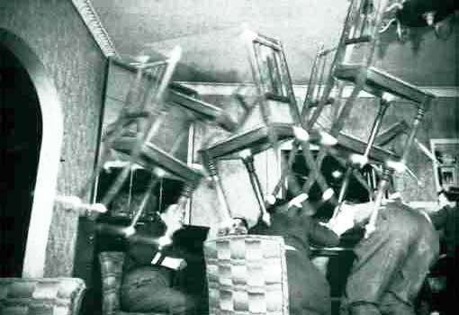Poltergeist sillas