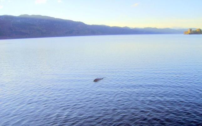 Monstruo del Lago Ness - George Edwards 2011