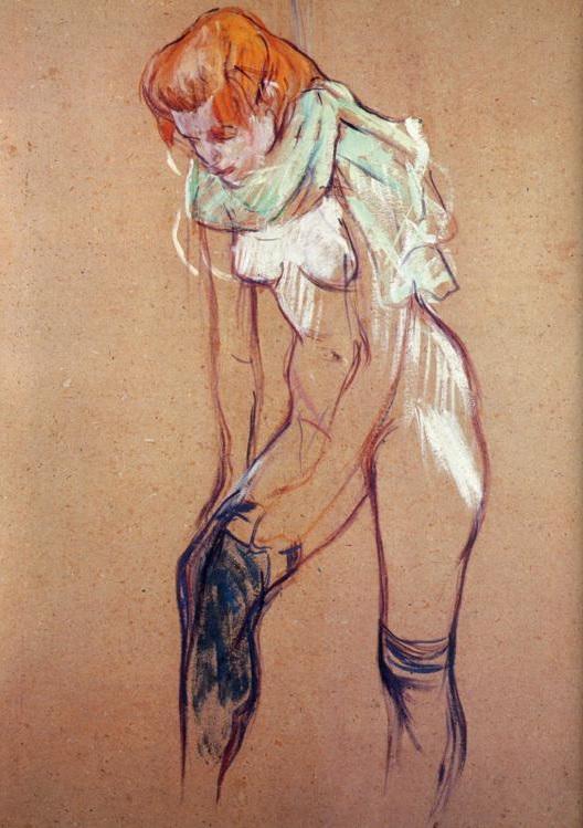 Mujer colocándose las medias