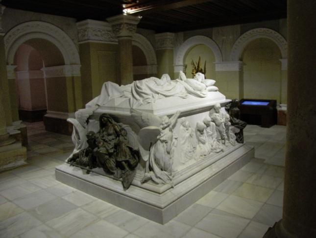Sepulcro Marqueses de Linares