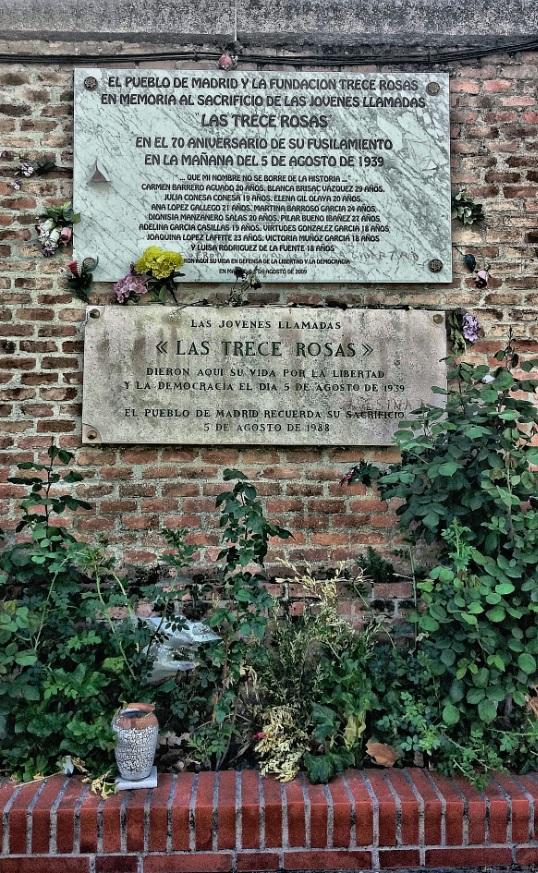 Monumento a las Trece Rosas