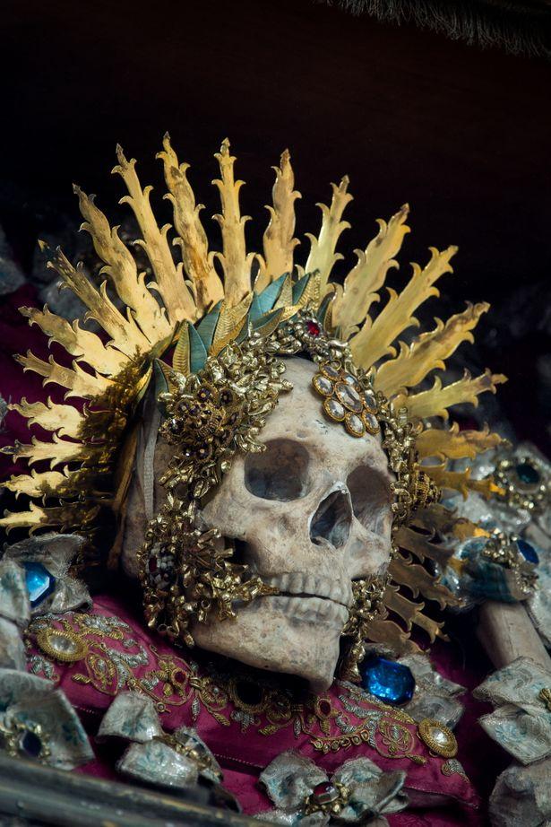 Cráneo de San Benedictus en Muri (Suiza)
