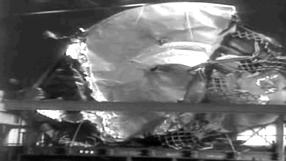 a review of the ufo crash roswell incident of 1947 Roswell daily record, tuesday, july 8, 1947  roswell crash: ufo down  roswell i-beam hieroglyphs roswell incident: updated meeting dr la paz gassho click.