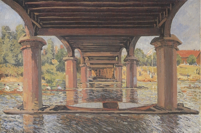 Bajo el puente de Hampton Court