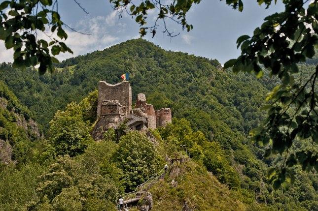 castillo-de-poenari