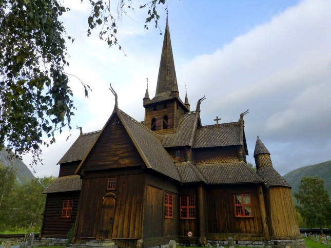 stavkirke-de-lom